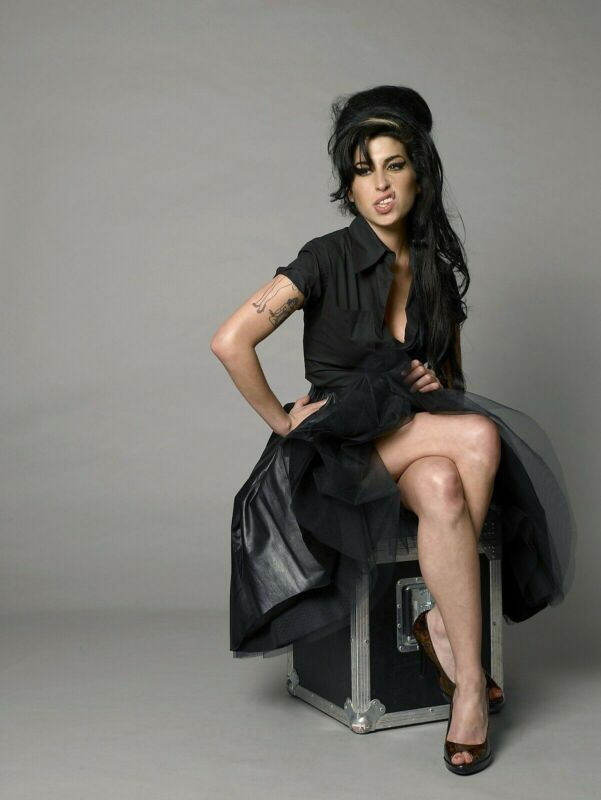 AMY WINEHOUSE 8X10 GLOSSY PHOTO PICTURE