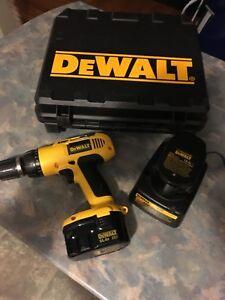 DeWalt drill set. 14.4v.