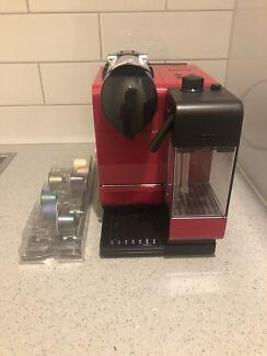 Coffee machine Nespresso Delonghi