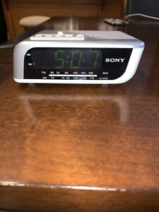 Sony Dream Machine AM/FM Clock Radio