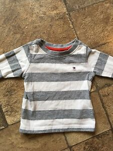 Chandail Tommy hilfiger 3-6 mois