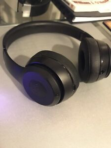 Beats Solo 3 On-Ear Wireless Headphones - Black