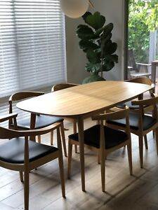 Dining table with extension Chairs (4 x elbow 2 x carver)