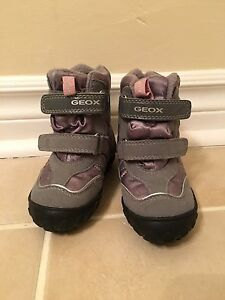GEOX boots size 5 toddler