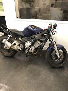 Yamaha R6 Stunt Bike