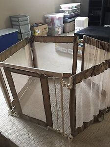 Variety of quality baby gates. Make an offer