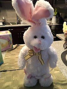 Hopping, singing bunny!