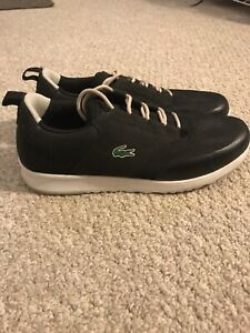 Lacoste sneakers in perfect condition !!