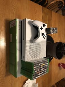 Xbox one s 500gb with extras