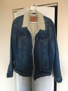 Classic Levi's Sherpa Jacket Like New