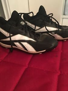 Football cleats 10.5