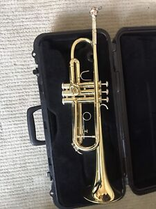 Bach Trumpet TR300 with case and accessories