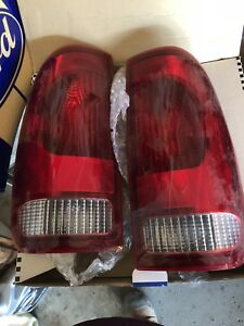 97/03 Ford F-150 Tail lights