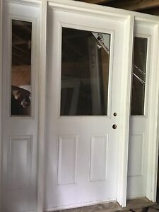Entrance door with 2 sidelights