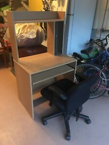computer desk with mat and computer chair