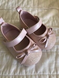 Adorable pink glitter shoes size 1