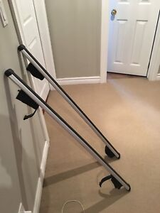 Thule roof bars and foot pack