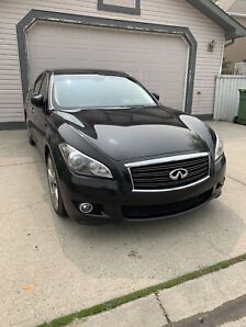 Rare 2011 Infiniti M56S 5.6L 420HP Fully Loaded