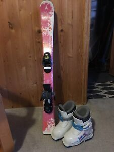 Girls Atomic skis  (90 cm) with bindings and boots