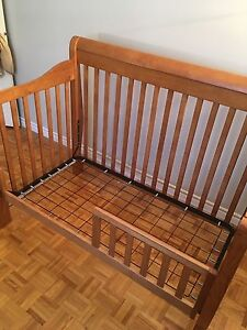 Baby crib with extensions
