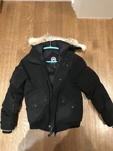 Canada Goose Bomber youth XL
