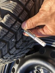 225/60 R17, 4 FIRESTONE WINTERFORCE tires with rims, 11/32