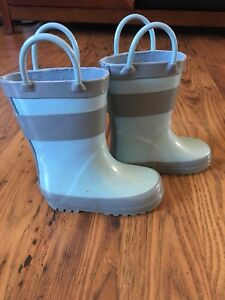 Size 4 toddler rubber boots- Drench