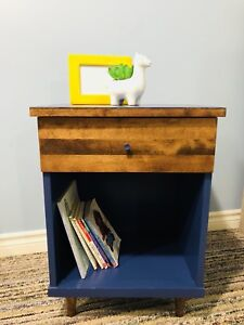 Adorable bedside table