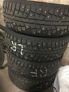 225 60 R17 - Set of 4 Studded Winter Tires & Rims