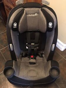 Car Seat - Safety First / Grow and Go 3-in-1