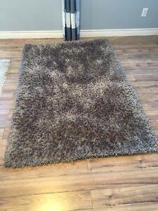 Brown/tan shag rug