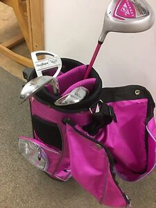 Children's golf club set and bag