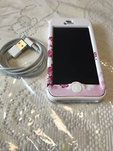 Apple iphone 5 with charger
