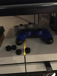 1TB PS4 with 2 Controllers
