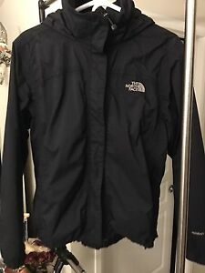 Manteau imperméable The North Face Medium pour femme.