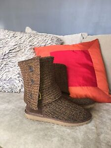 UGG classic cardy boots ~ NEW