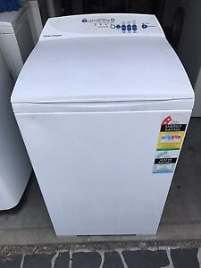 Fisher Paykel 5.5KG Washing Machine Model: MW512 Hassall Grove Blacktown Area Preview