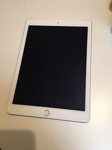 IPad Air 2 Silver 16GB Cellular (4G) in Excellent Condition. Port Adelaide Port Adelaide Area Preview