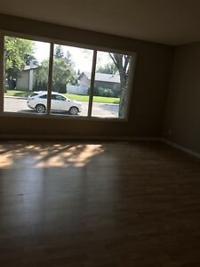 Duplex for rent! Ready now!