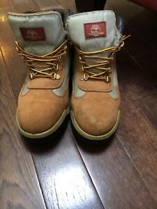 Timberland boys/men's boots size 8.5