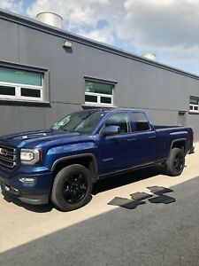 2018 GMC Sierra SLE • 4X4• Z71+Elevation+Kodiak **SAVE $15,000**