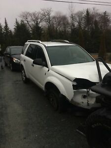 **LOW KMs** 07 SATURN VUE (parts or repair)