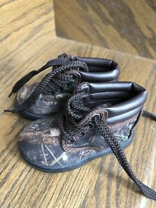 Brand new size 3 toddler camo boots