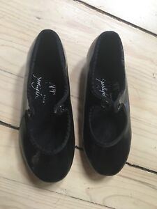 Youth tap shoes