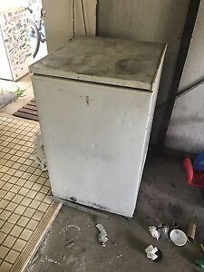 Chest fridge and freezer Werrington Downs Penrith Area Preview