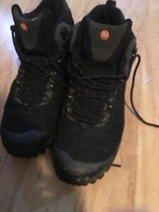 Size 12 men's winter boots.