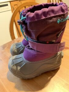 Columbia kids' snow boots size 9