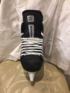 Reebok XT Men's Hockey Skate --Like New Size 7D