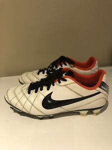 Soccer shoes cleats - Youth Size 7