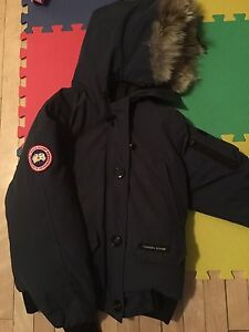 Canada goose small comme neuf